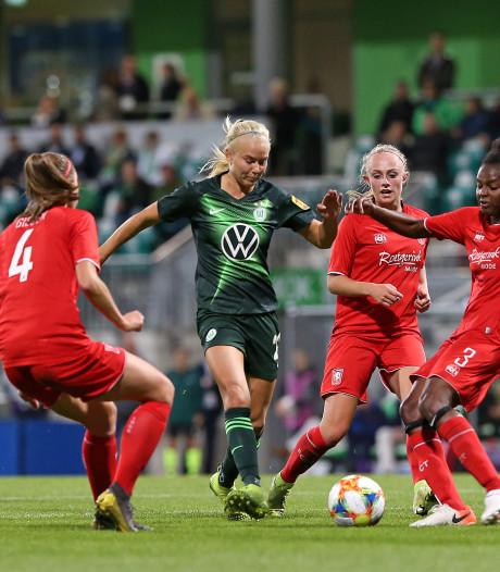 FC Twente Vrouwen kijkt rond in de wereld van Wolfsburg: VW, werken en voetbal