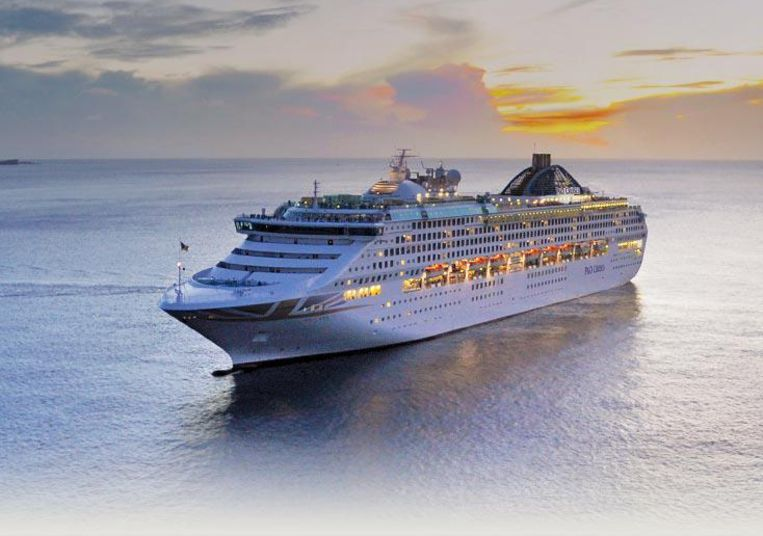 De Oceana van P&O Cruises, een schip dat 2.000 passagiers aan boord kan nemen.