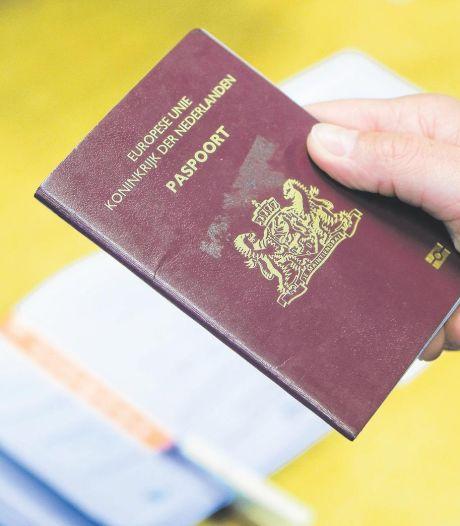 Man valt door de mand als hij zich op Utrechts gemeentehuis identificeert met vals paspoort