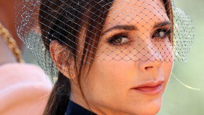 Het beste van 'zuurpruim' Victoria Beckham: zelfs op haar eigen trouwfoto's lacht ze niet