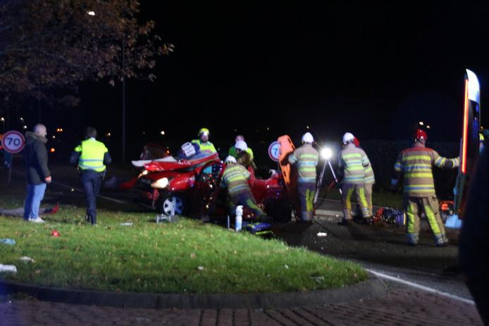 De auto van de slachtoffers raakte ernstig beschadigd.