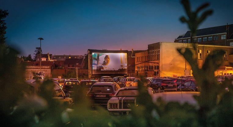 De parking van de collegesite in Tielt wordt opnieuw omgetoverd tot een drive-in cinema