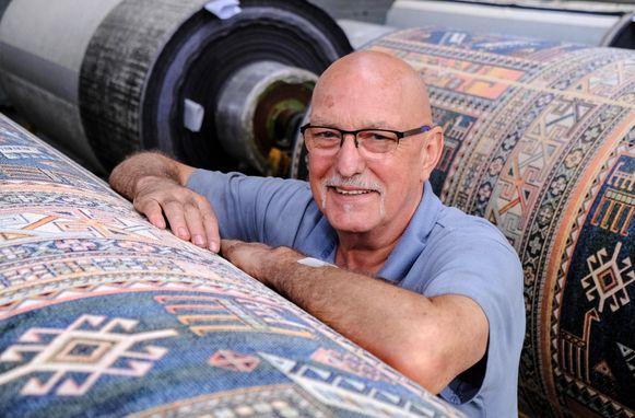 Norbert werkt al sinds 1969, toen hij 16 jaar was, bij Finipur. Hij is er nu 66 en hij doet het nog altijd even graag.