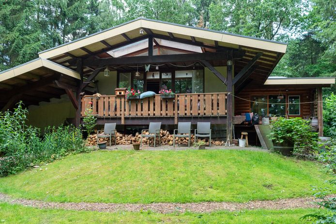 Dit huis van Johnny Scheeres en zijn vrouw is volgens de gemeente Epe veel te groot: 200 vierkante meter in plaats van de toegestane 70.