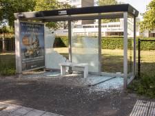 Vandalen slopen vier bushokjes in Soest, politie zoekt getuigen