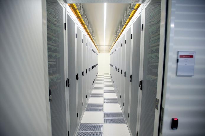 In datacenters worden enorme hoeveelheden informatie over ons doen en laten opgeslagen.