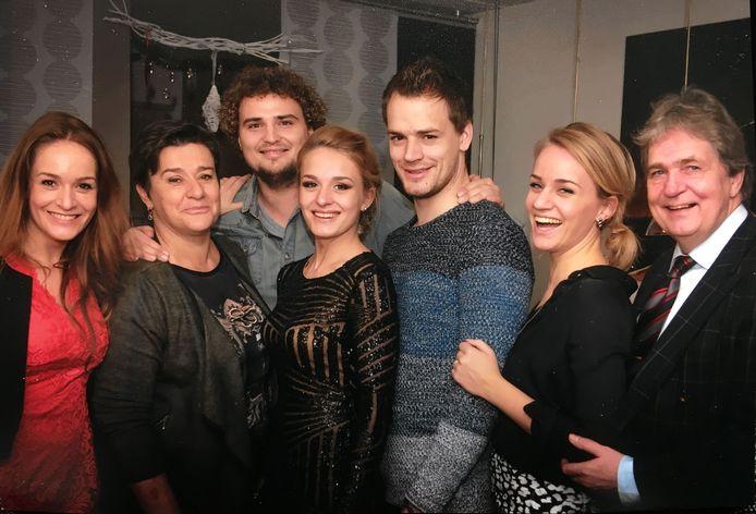 De Familie Maathuis met in het midden de verongelukte dochter Daniëlle