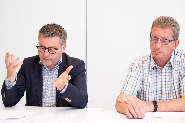 Burgemeesters Koen Van den Heuvel en Peter Van Hoeymissen.