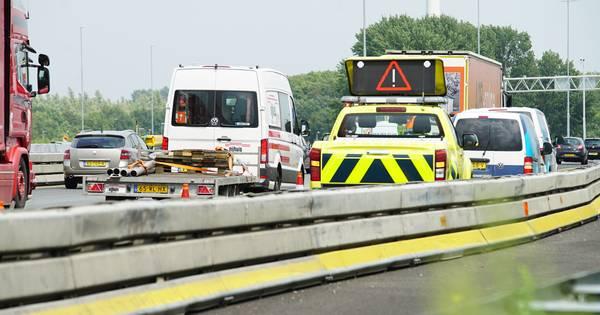 Forse file op A1 door ongelukken bij Deventer en Lochem.