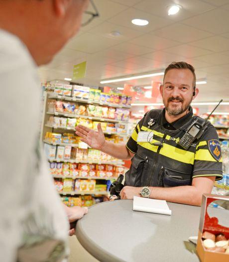 Spreekuur van wijkagent voor Markelo en Diepenheim vaker in de supermarkt
