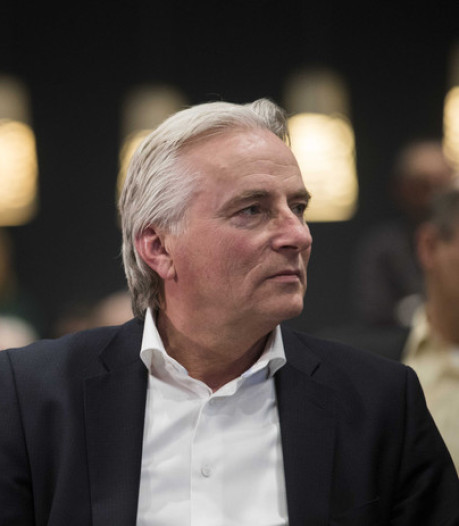 Tilburgse D66-wethouder overleeft motie van wantrouwen na omstreden FvD-tweet