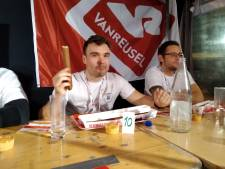 Deze Belg eet 2,55 meter aan XXL-frikandellen