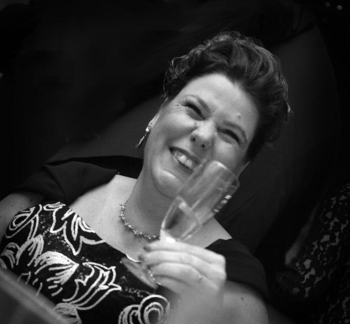 Diana gaat na de overval minder uit. Voor het jubileumgala van de Hengelose carnavalsvereniging De Windbuul'n in De Waarbeek (2016) maakt ze een uitzondering.