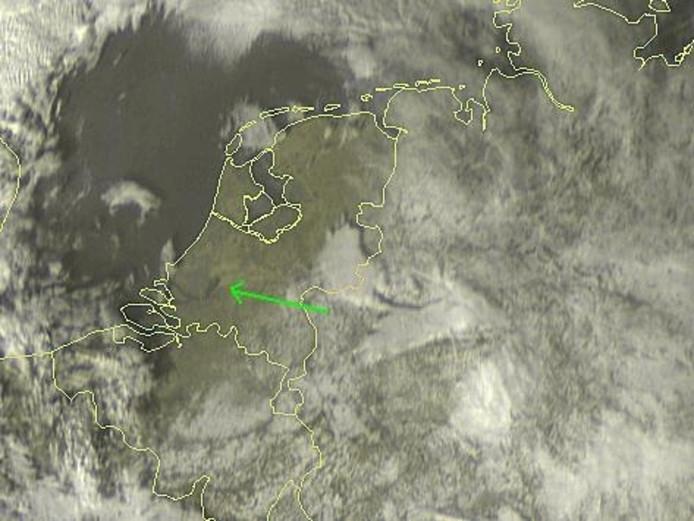 Ook op satelietbeelden is de rook te zien
