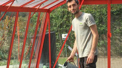 """Khalil ontvluchtte oorlog in Syrië; leerde Nederlands en is nu tuinman: """"Wij zijn wel vluchtelingen, maar geen profiteurs"""""""