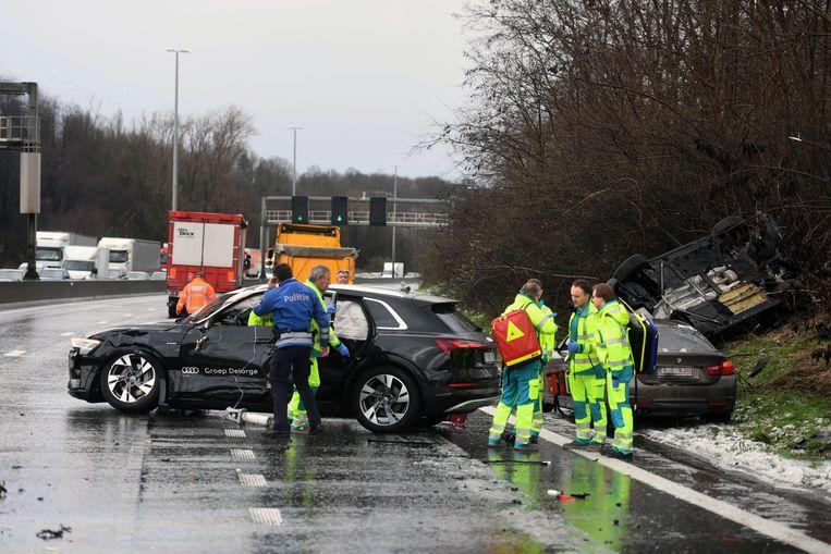 Zwaar ongeval met acht wagens in Winksele