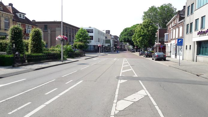 De Molenstraat bestaat nu nog vooral uit asfalt en betontegels. In 2018 moet dit grondig veranderen.