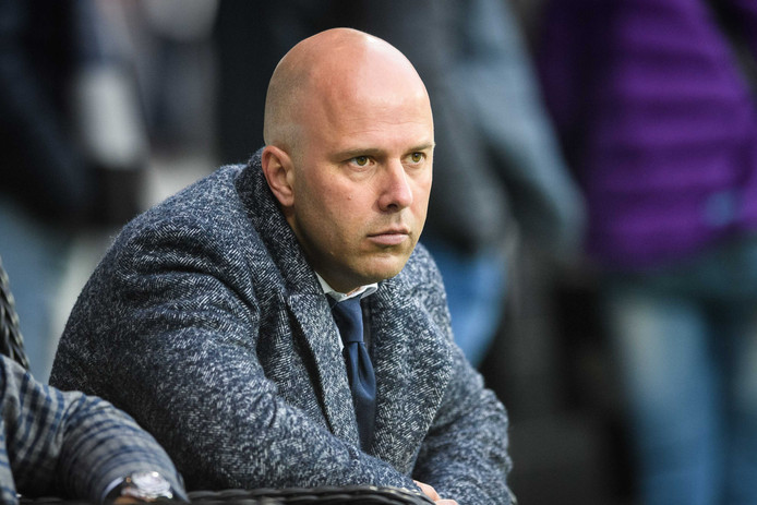 Assistent-trainer Arne Slot.  Hij verving in Almelo de geschorste John van den Brom.