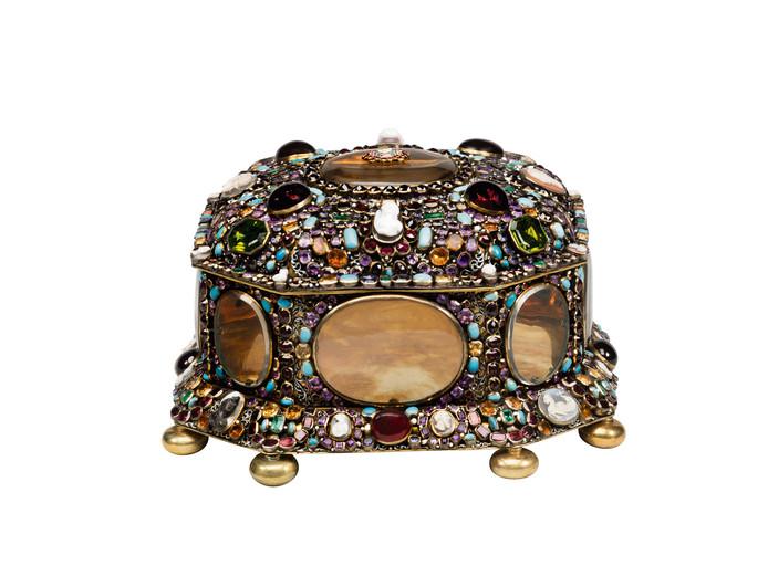 Dit juwelenkistje van Catharina de Grote is vanaf zaterdag te zien in Amsterdam