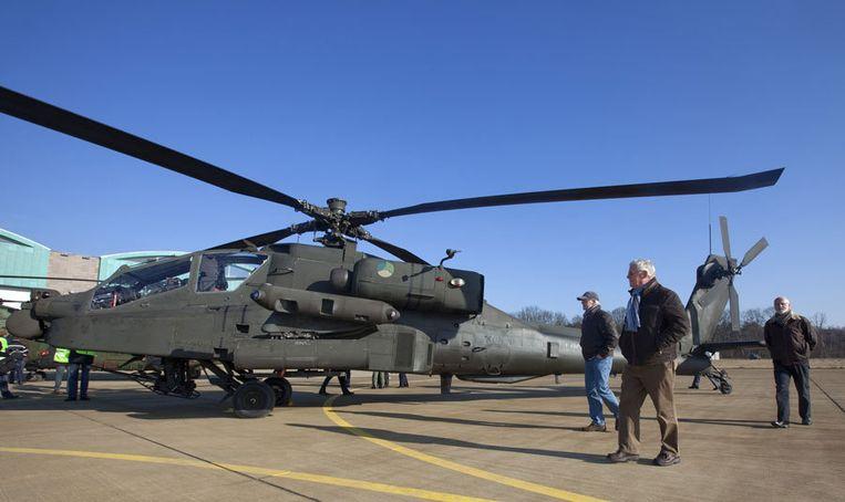 Een tuinbouwbedrijf in Gelderland zat in december 2007 ruim twee dagen zonder stroom toen een Apache van het leger tegen hoogspanningskabels was gevlogen. Foto ANP Beeld