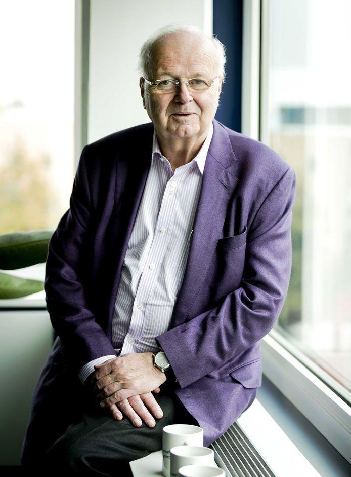 Chris Oomen was jarenlang bestuursvoorzitter van DSW, en haalt nu wel uit naar de zogenaamde kortingen van collectieve verzekeringen.