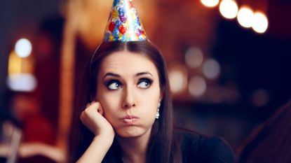 6 manieren om het ijs te breken op een feestje waar je niemand kent