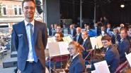 Stadsharmonie Wervik heeft nieuwe dirigent en nieuw uniform