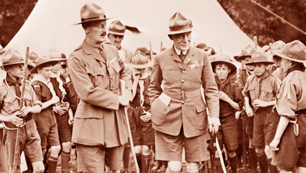 Scouting-oprichter Lord baden Powell (r.). © AFP