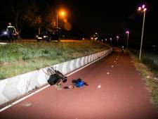 Man die vannacht van fiets viel in Elst in kritieke toestand