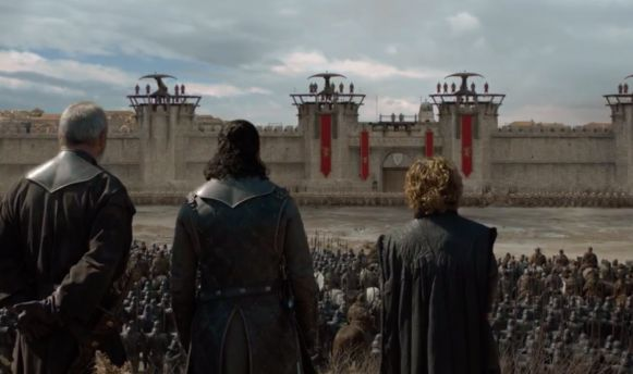 Ondertussen staat het leger van Daenerys voor de deur, al heeft niemand veel zin om binnen te vallen.