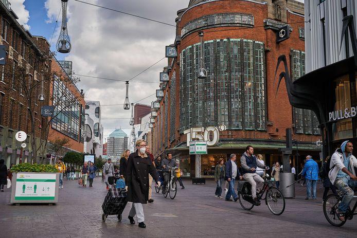 Straatbeeld in het centrum van Den Haag.