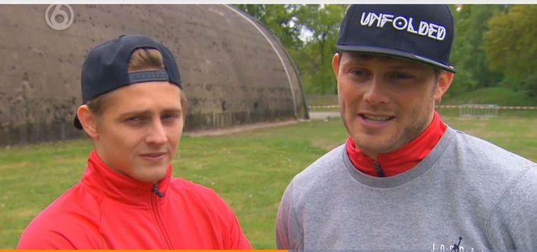 Tim Douwsma met zijn broertje Rick. Beeld