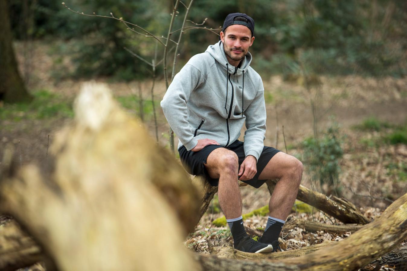 Helmond Sport-speler Guus Joppen traint nu zelfstandig, in de buitenlucht