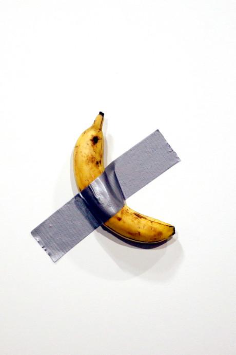 Kunst: aan de muur geplakte banaan verkocht voor 120.000 dollar