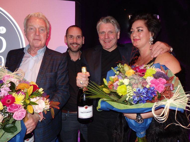 André van Duin (2, Heel Holland Bakt), Henk Jan Beltman (3, Tony's Chocolonely) en Jonnie en Thérèse Boer (1, De Librije). Van Duin: 'Vanmiddag at ik nog zuurkoolschotel.' Beeld Schuim