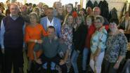 Enthousiast publiek trakteert zingende loodgieter Stefke Lood op leuk eerste fanbal