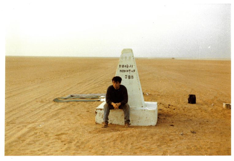 Bordj Mokhtar, op de grens tussen Algerije en Mali, is nog 385 kilometer.  Beeld