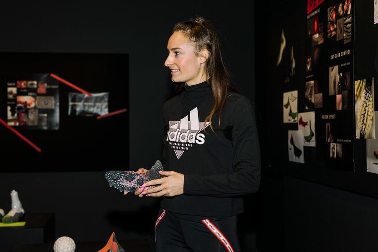 Tessa Wullaert tijdens de lancering van de Adidas Predator 20 Mutator in Londen.