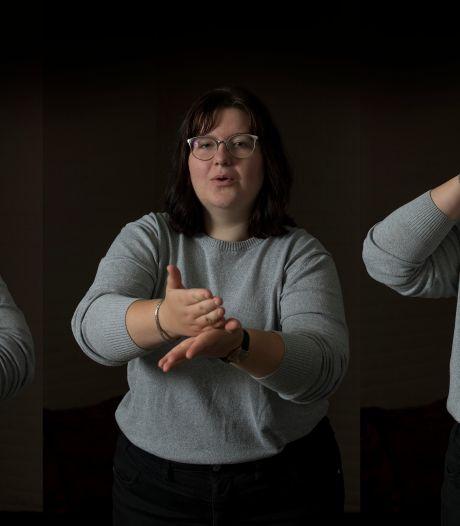 Kaylee (17) wordt opgeleid tot gebarentolk: 'Gaaf om een taal uit te beelden