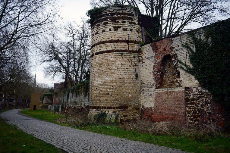 Handbooghof maakt deel uit van de eerste stadsomwalling van Leuven.