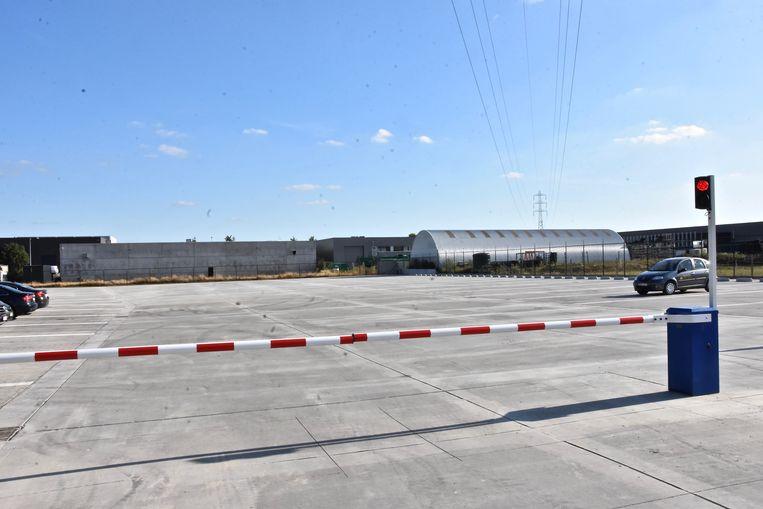 Er ligt een nieuwe vrachtwagenparking op het industrieterrein van Gullegem-Moorsele.