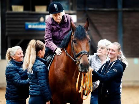 Utrechtse Gerritje is met haar (bijna) 103 jaar de oudste vrouw te paard