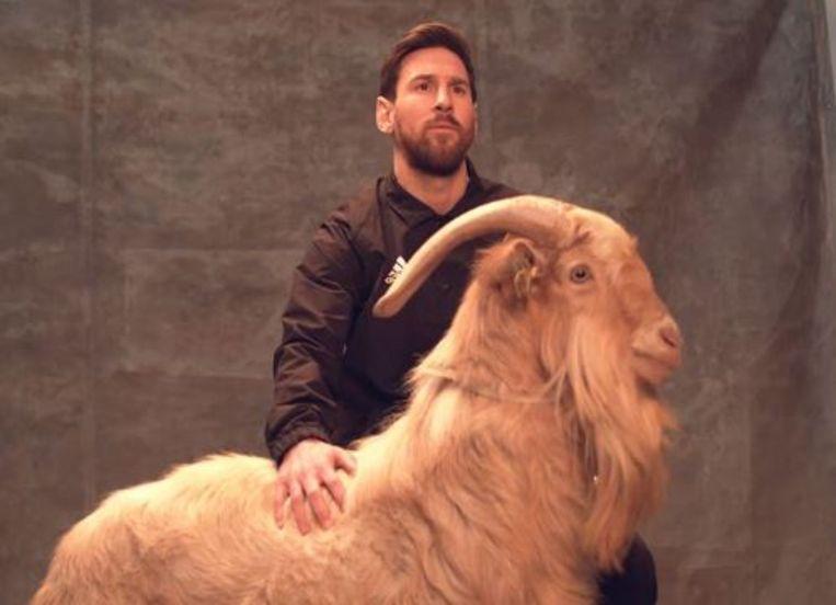 Messi poseerde vorig jaar met een geit, verwijzing naar 'GOAT' of de beste speler aller tijden.