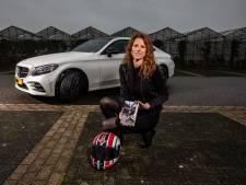 Eerste vrouwelijke Ducati-rijder Enitha geeft gas met eigen boek: 'Er komt zeker een vervolg'