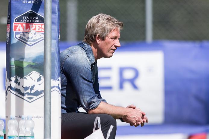 Marcel Brands bekijkt de PSV-equipe in Zwitserland.