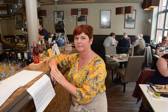 Uitbaatster Christina Maes is met een petitie gestart in de hoop haar zaak te kunnen redden.