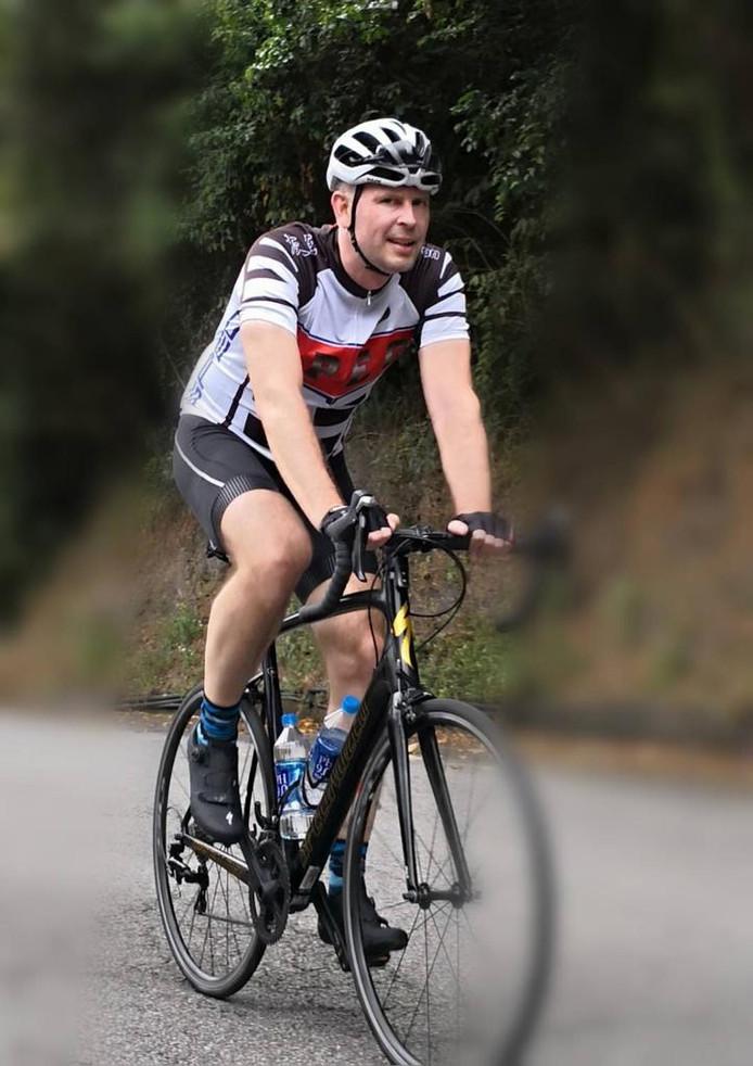 """Tom Eertman fietst ook zelf graag, zoals hier in de bergen van Taiwan. """"Begonnen op 800 meter en geklommen naar 2500 meter."""""""
