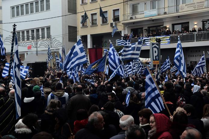 Nationalistische Grieken demonstreren tegen de deal.