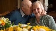 """Honderdjarige Jeannette na 77 jaar nog steeds gelukkig getrouwd met haar Maurice (98): """"We kunnen niet zonder elkaar"""""""