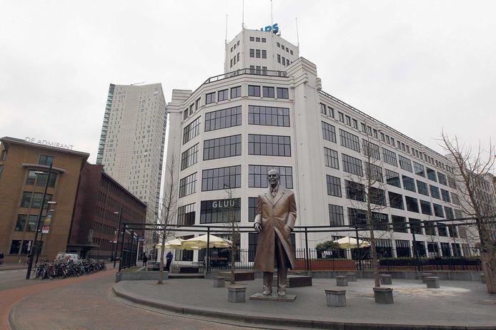Het standbeeld van Frits Philips voor de Lichttoren. Fotobewerking ED/Elisée van Heukelom.